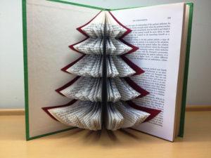 libro-con-arbol-de-navidad